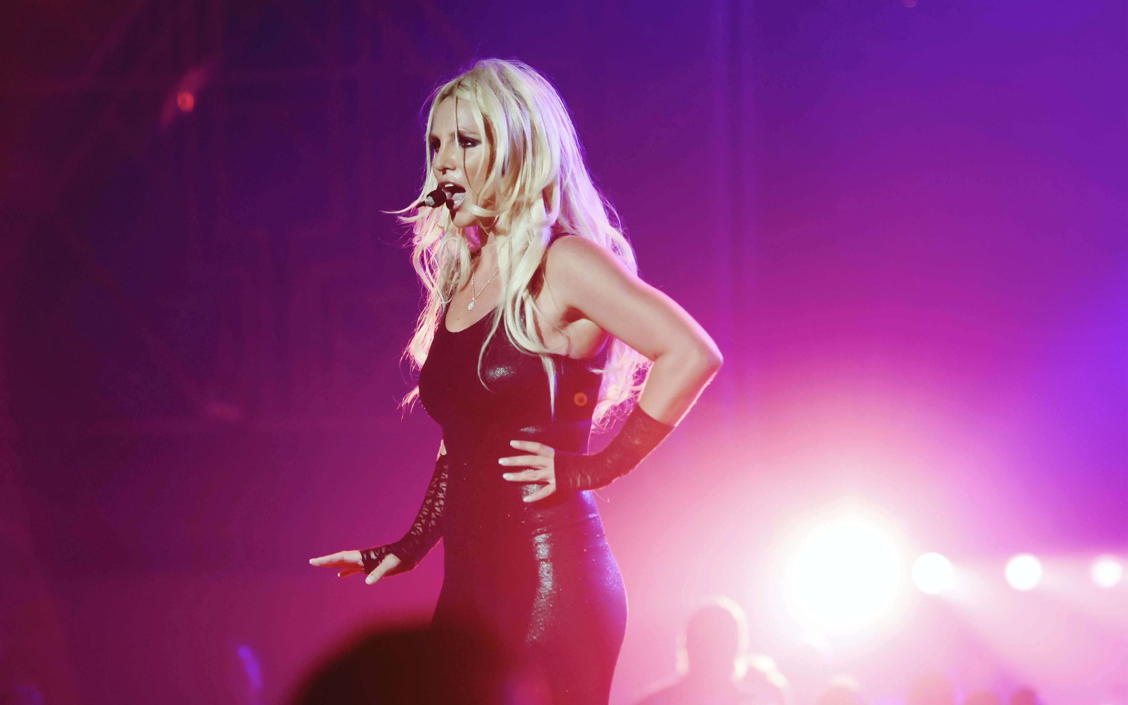 britney spears - live in concert-3