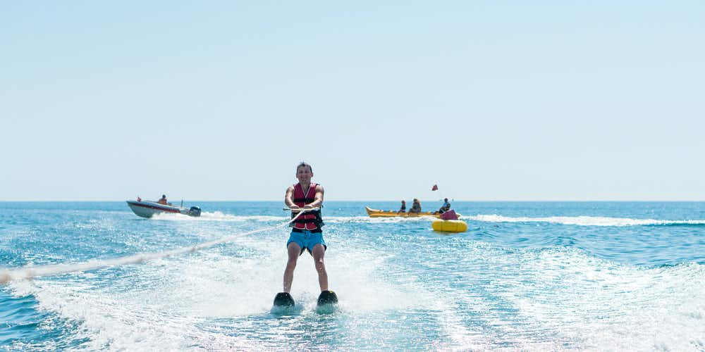 Water sports in Dubai - water skiing