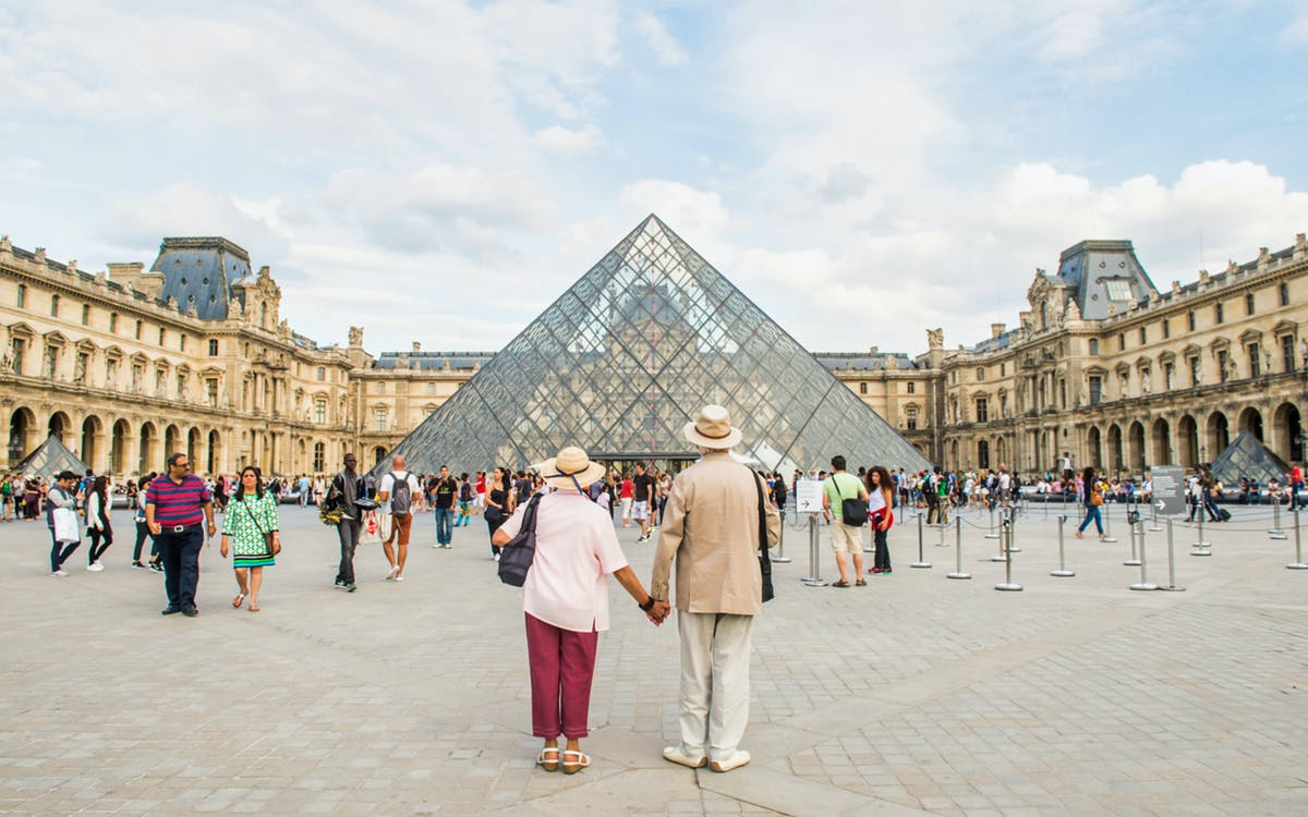 bigbus paris: 2 day hop-on-hop-off + skip the line louvre & cruise tickets-1