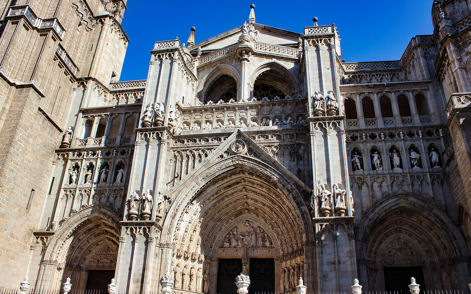B4fa6b57 7c7c 41c0 ba68 1928af86be58 10952 madrid toledo guided tour with optional cathedral visit  01