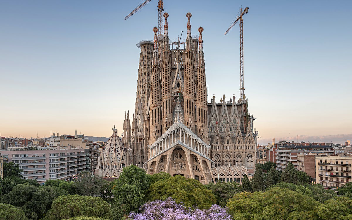 skip the line: small group tour of sagrada familia-1
