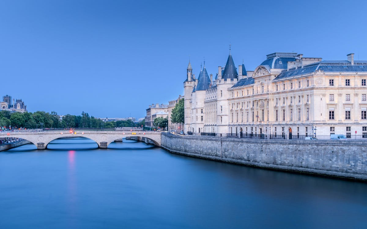 skip the line ticket to conciergerie with histopad-1