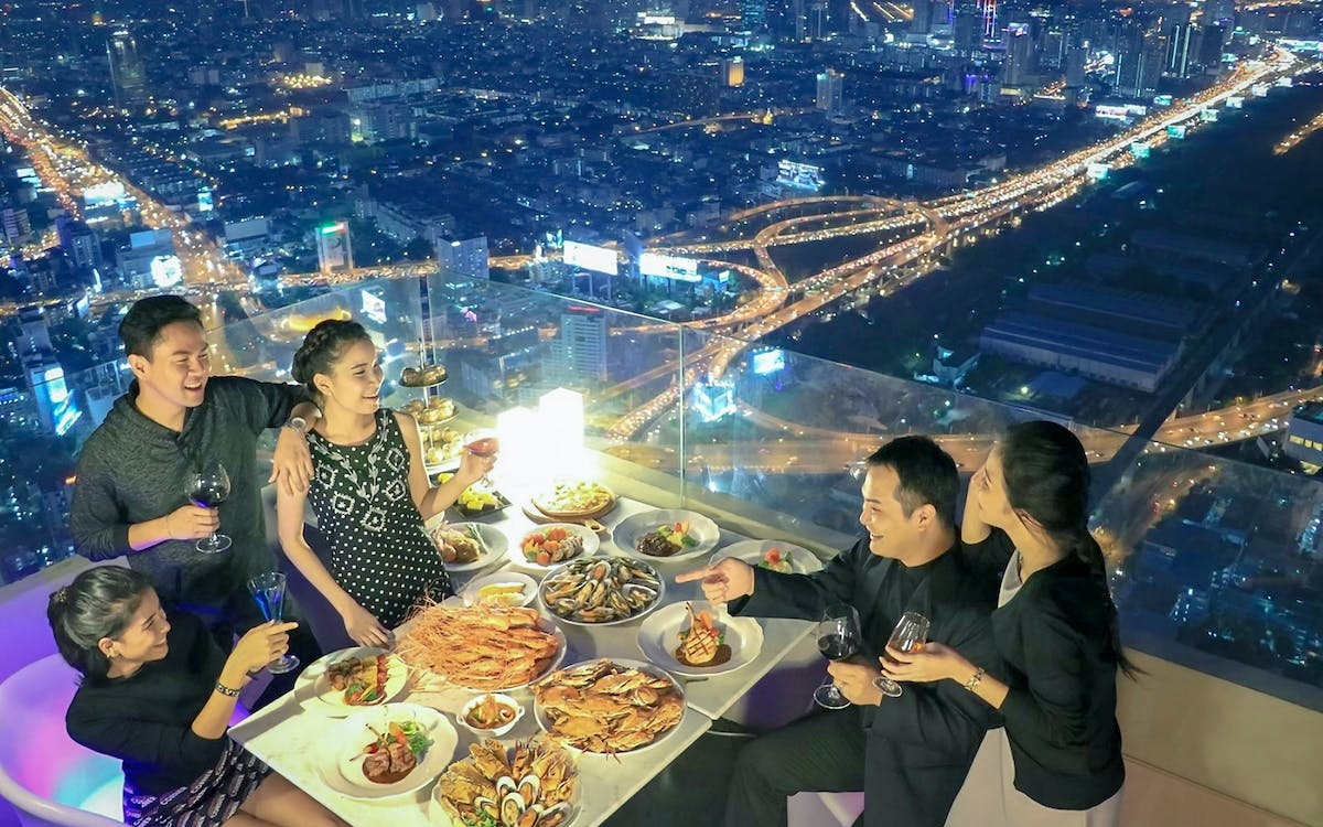 baiyoke floating market buffet in baiyoke sky hotel's 75th floor-1