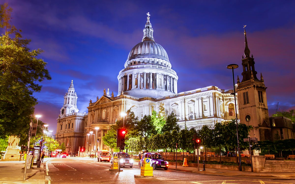 historic & modern london tour on christmas eve with attractions entry, thames cr-1