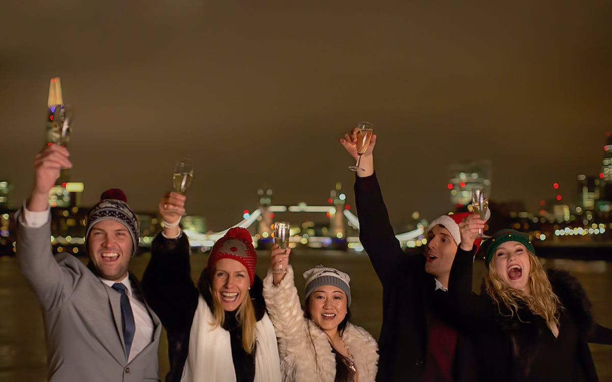 christmas dinner party on thames river cruise-1