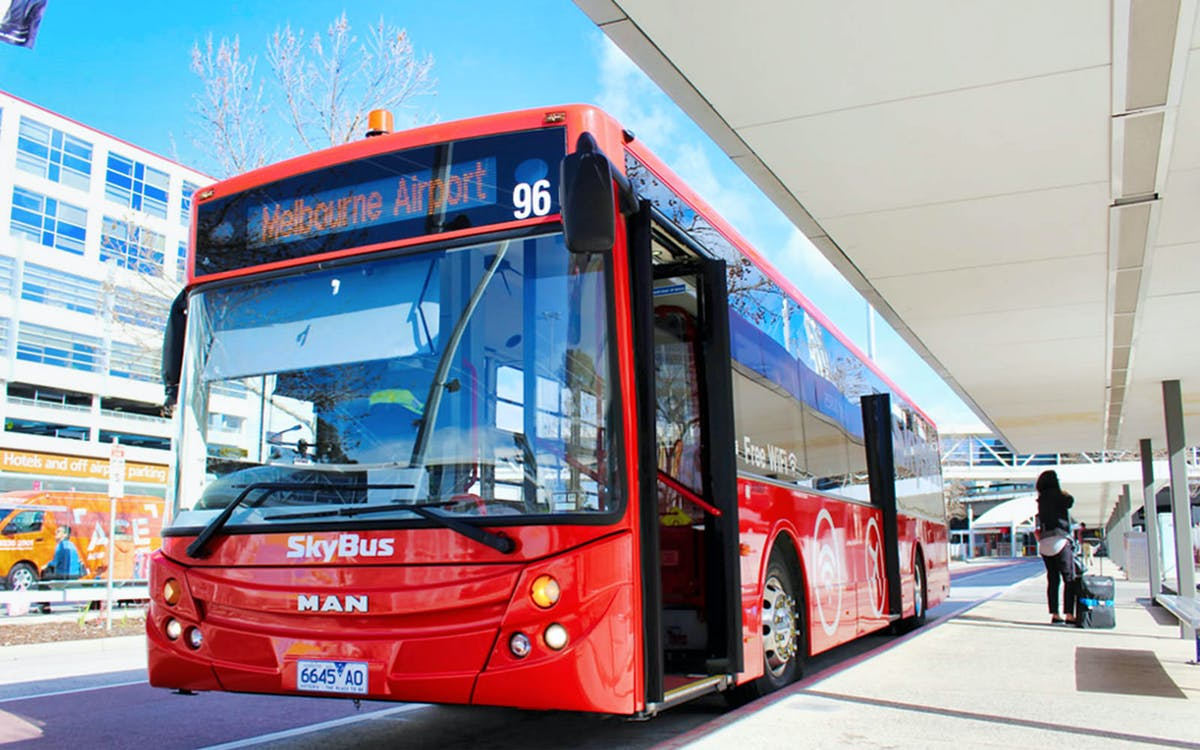 skybus melbourne airport shuttle to melbourne city -1