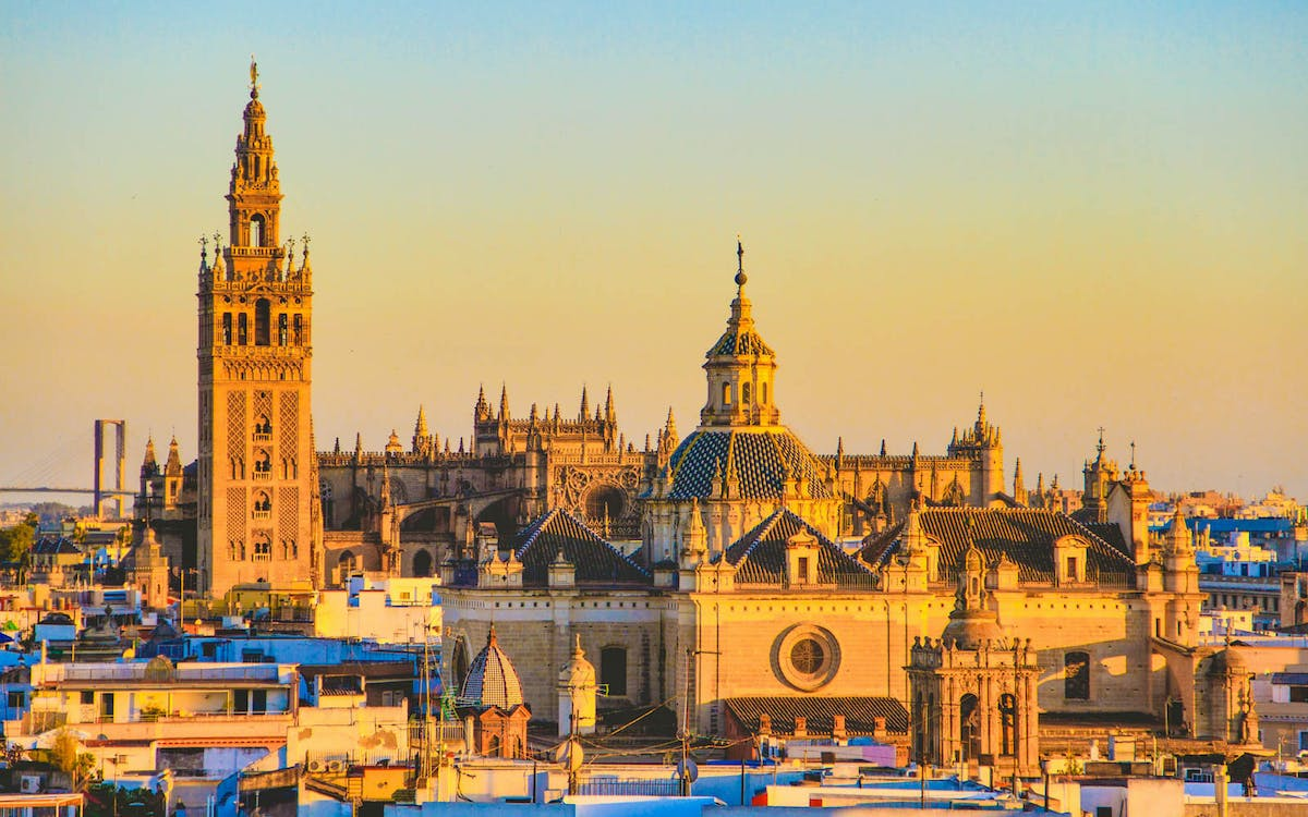 fast track tickets to seville cathedral, giralda & salvador-1
