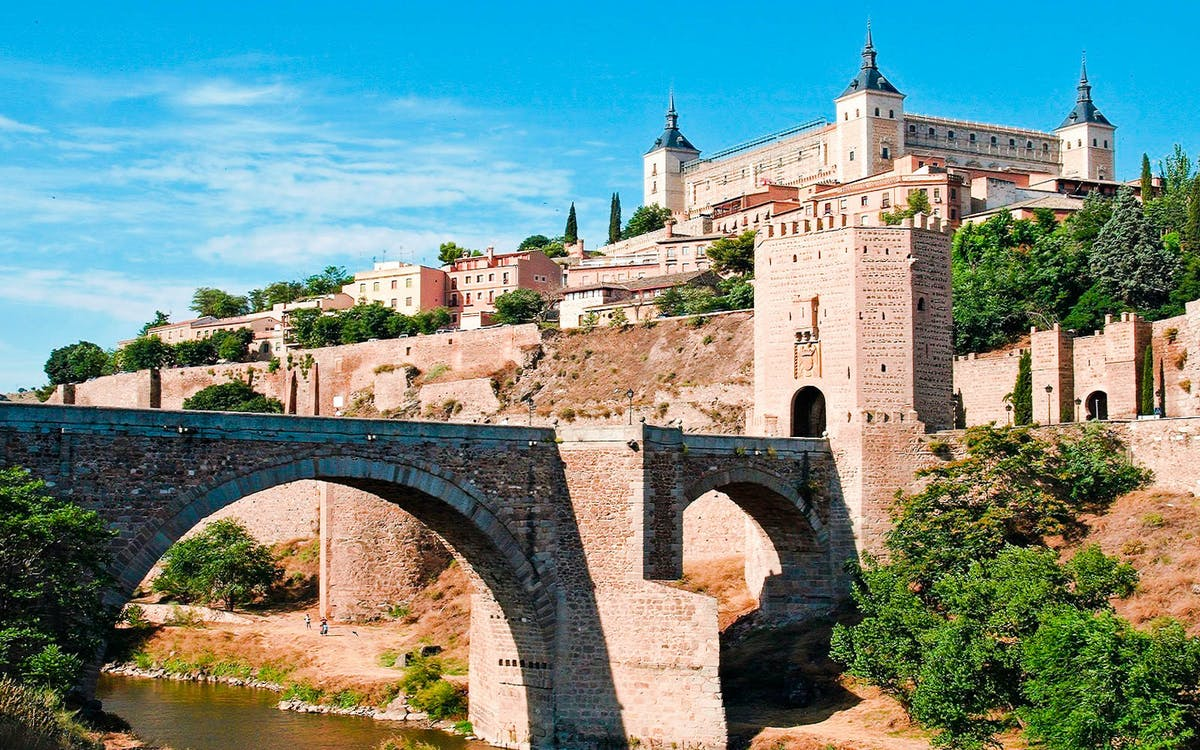 segovia, ávila & toledo: guided tour from madrid-1