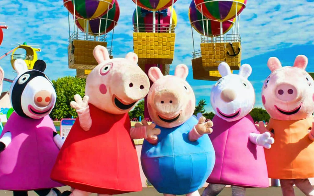peppa pig world express tour with entry to paultons park-1