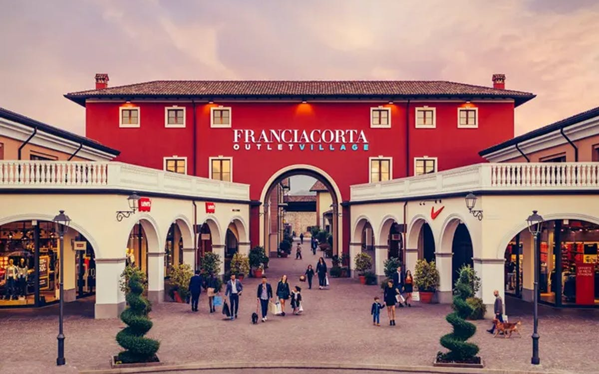 franciacorta outlet village from milan-1