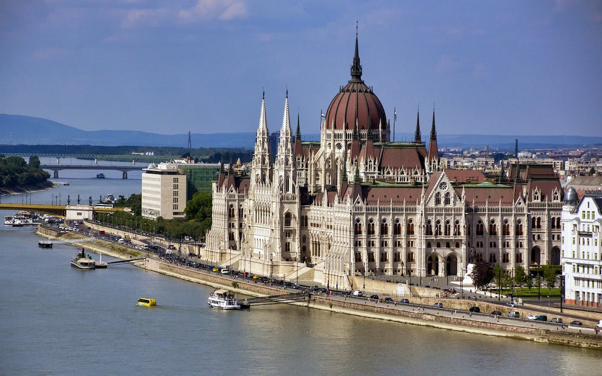 budapest: hungarian parliament guided tour-1