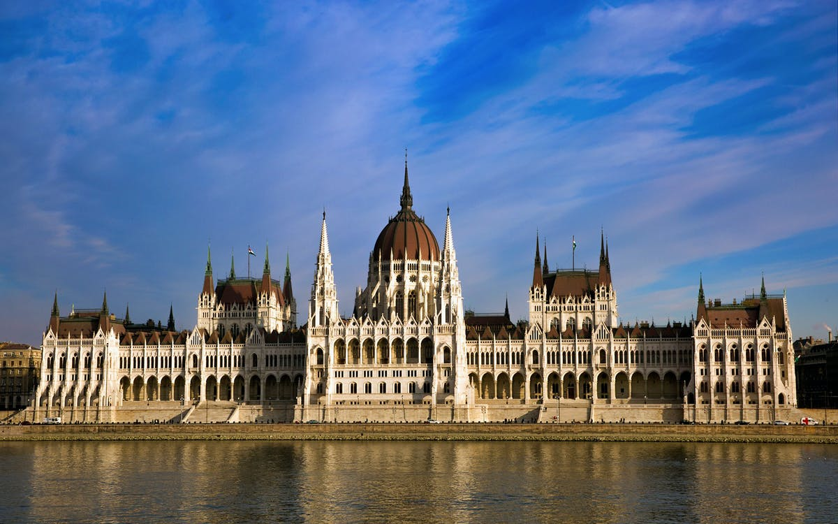 budapest: parliament tour with danube lunch cruise-1