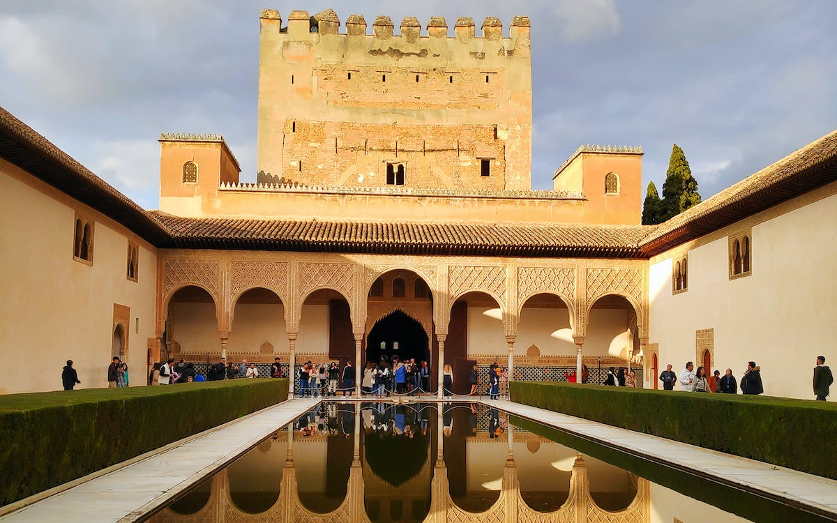granada: guided tour of alhambra, alcazaba, generalife with nasrid palaces-1