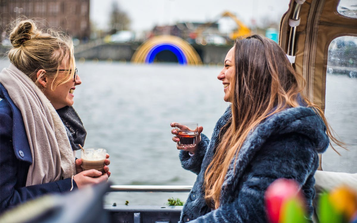 vip canal cruise ticket - welcome with champagne or cocktail-1