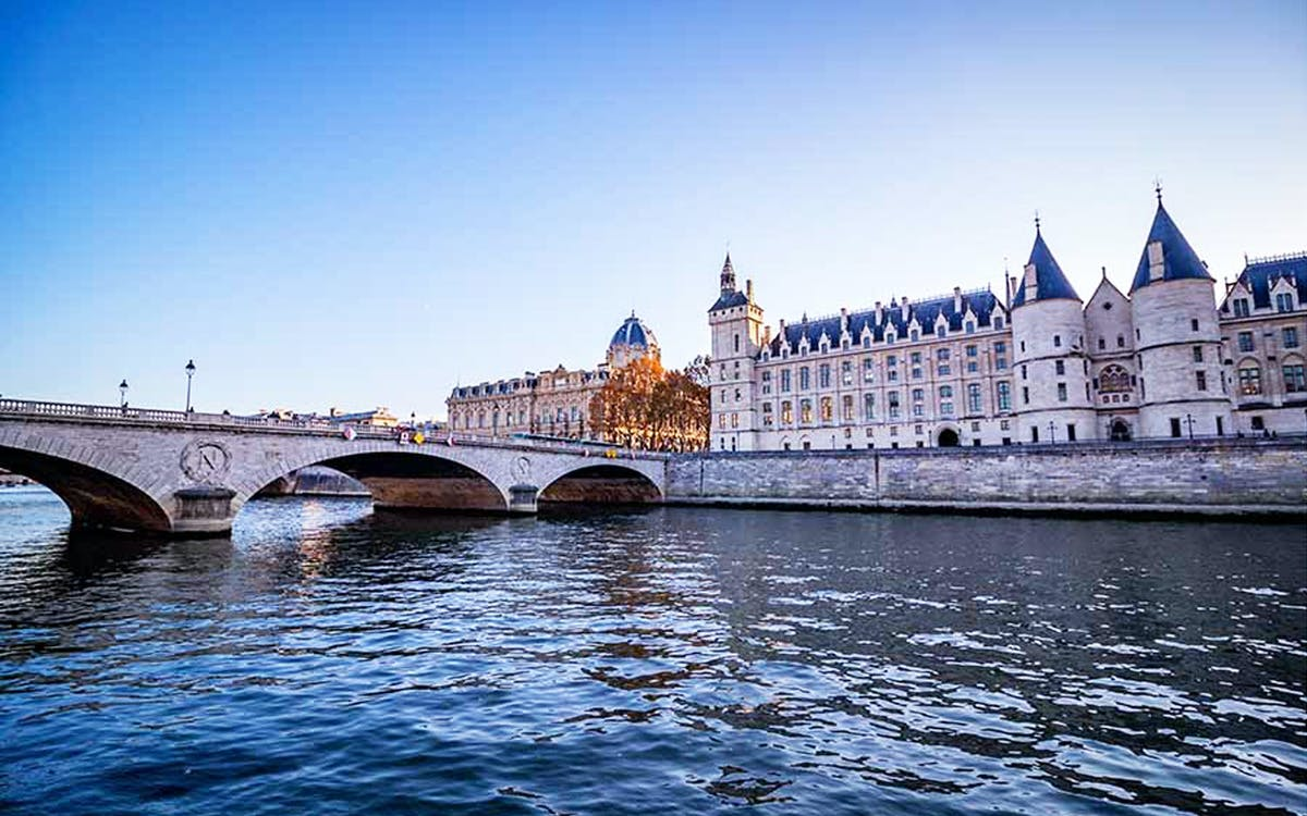 conciergerie & seine river cruise: skip the line tickets-1