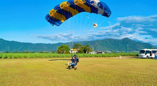 Skydiving in Cairns