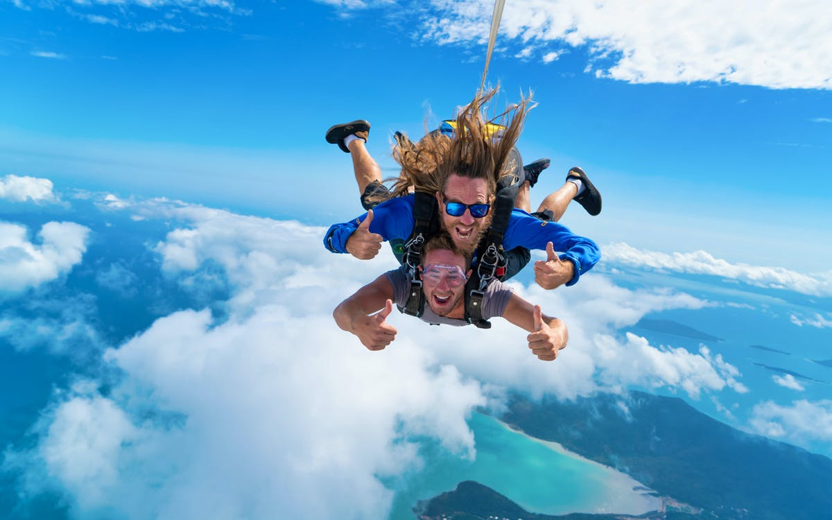 airlie beach - 15,000ft tandem skydive-1