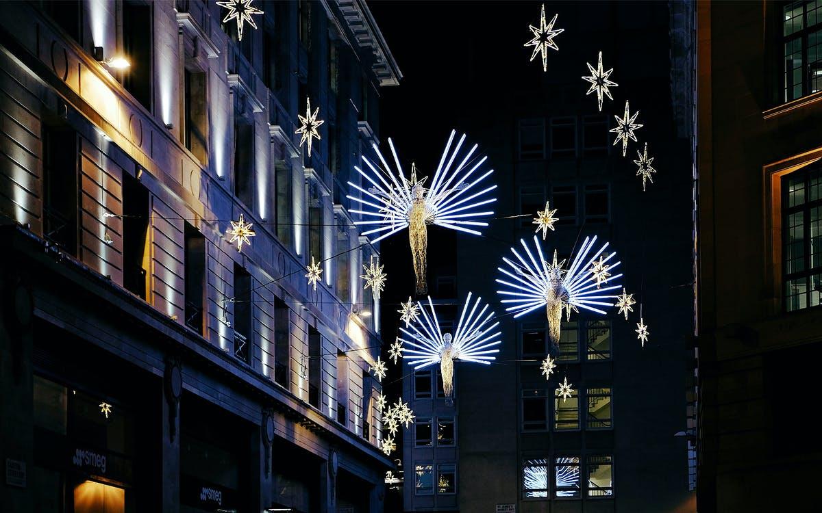 illuminations of london on christmas eve-1