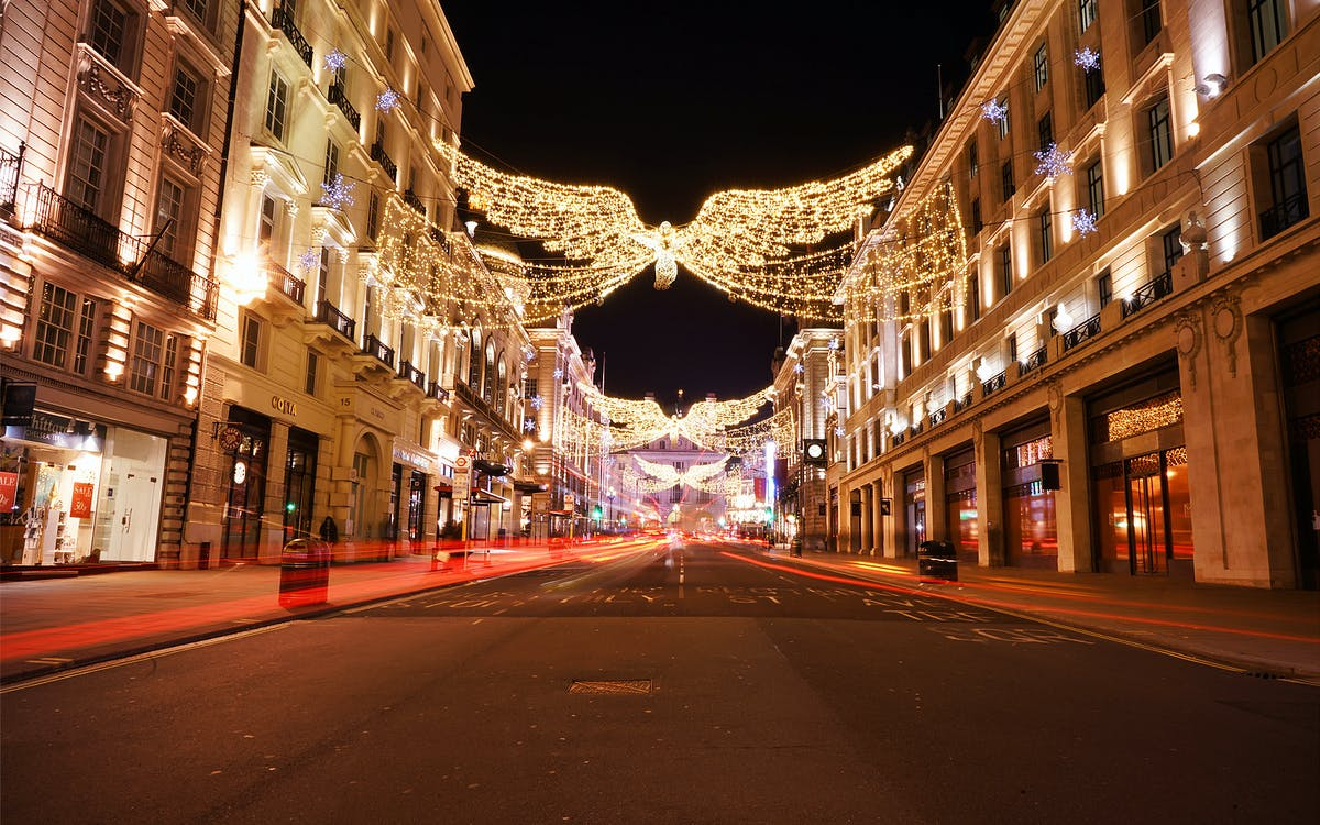 london panorama on christmas eve with dinner and midnight mass-1