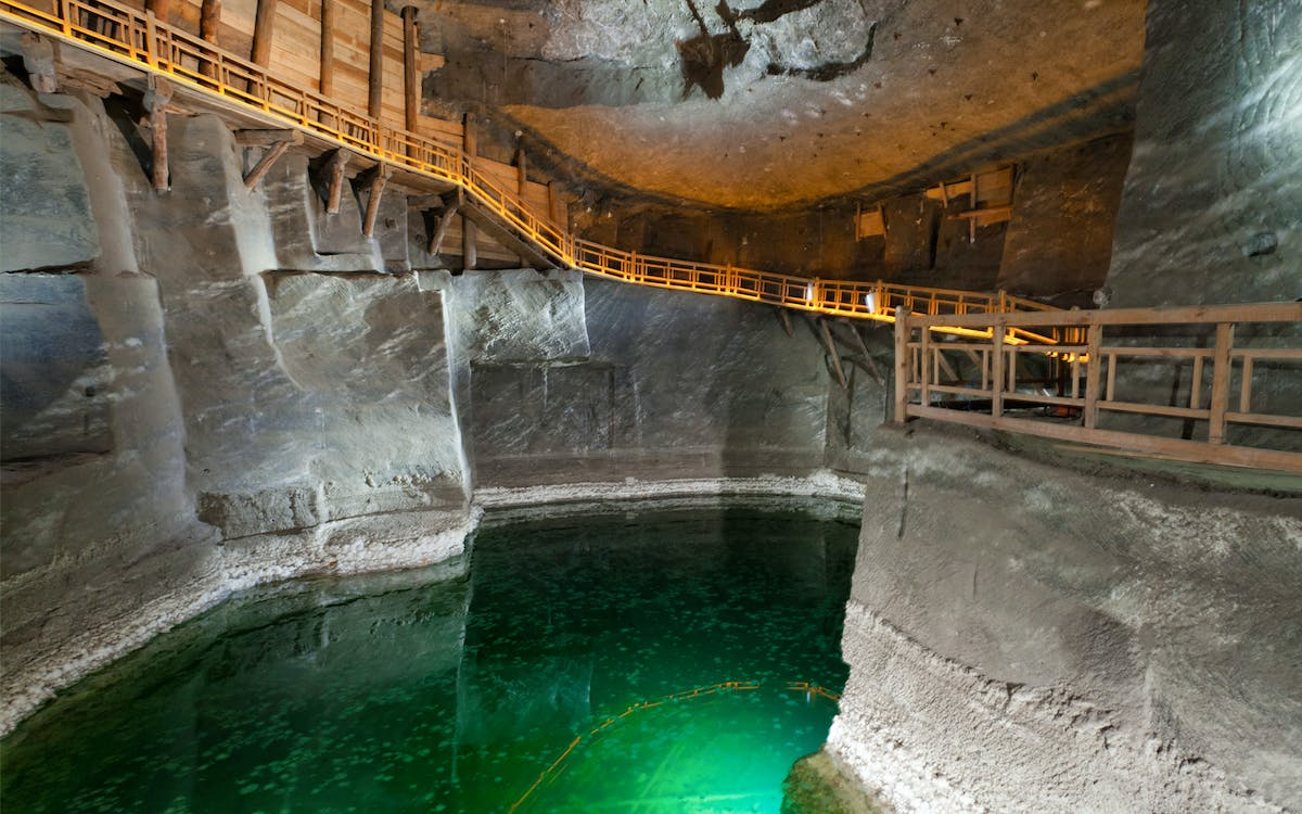 wawel castle, cathedral and wieliczka salt mine guided tour with lunch-0
