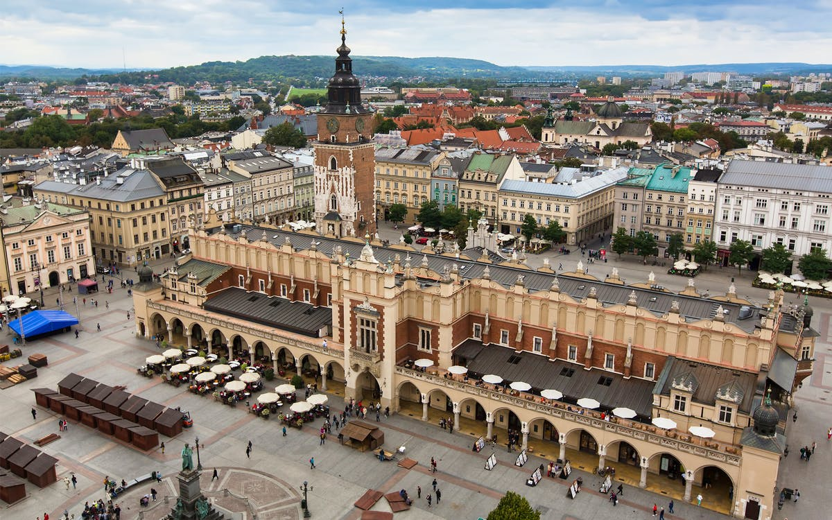 guided tour along the royal route on the old town and wawel hill-0