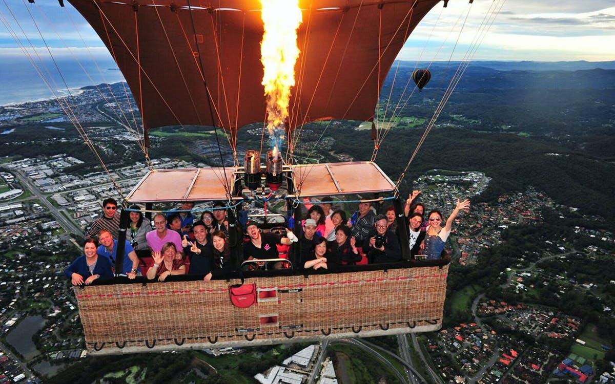 go ballooning gold coast - pink hot air balloon 40-60 minutes flight + return tr-0
