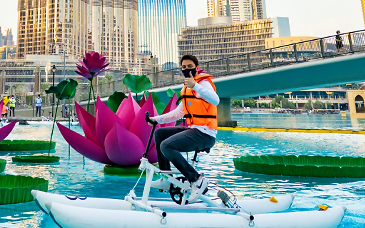 dubai fountain- water bikes-1