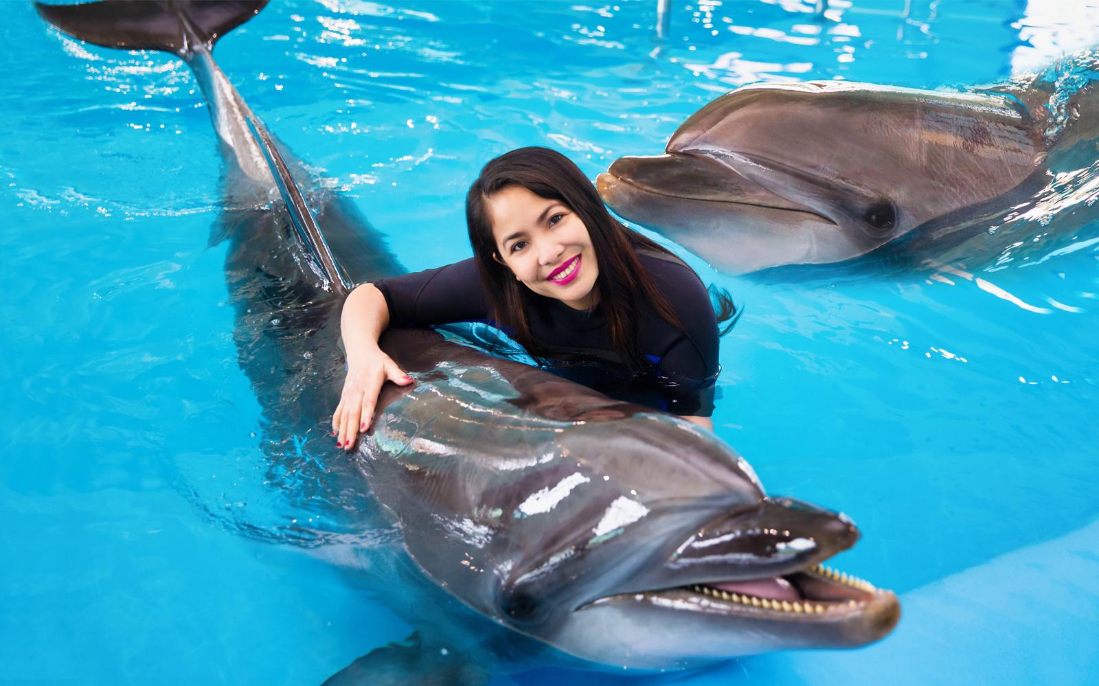 Dubai Aquarium - Transform into a Mermaid