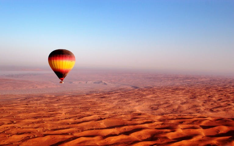 dubai shore excursion: hot air balloon above dubai-1