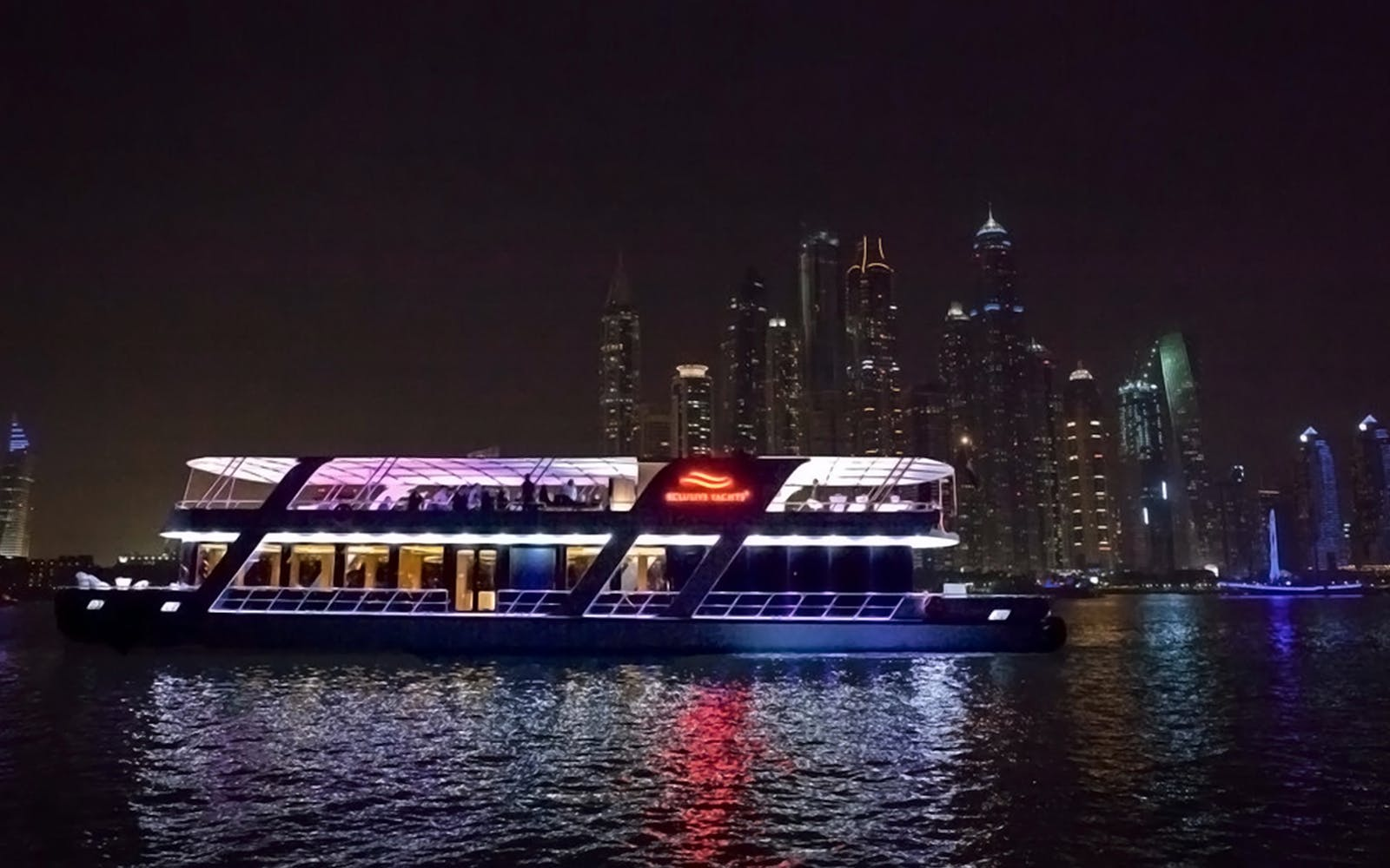 luxury dinner cruise with 5-star hotel buffet spread-2