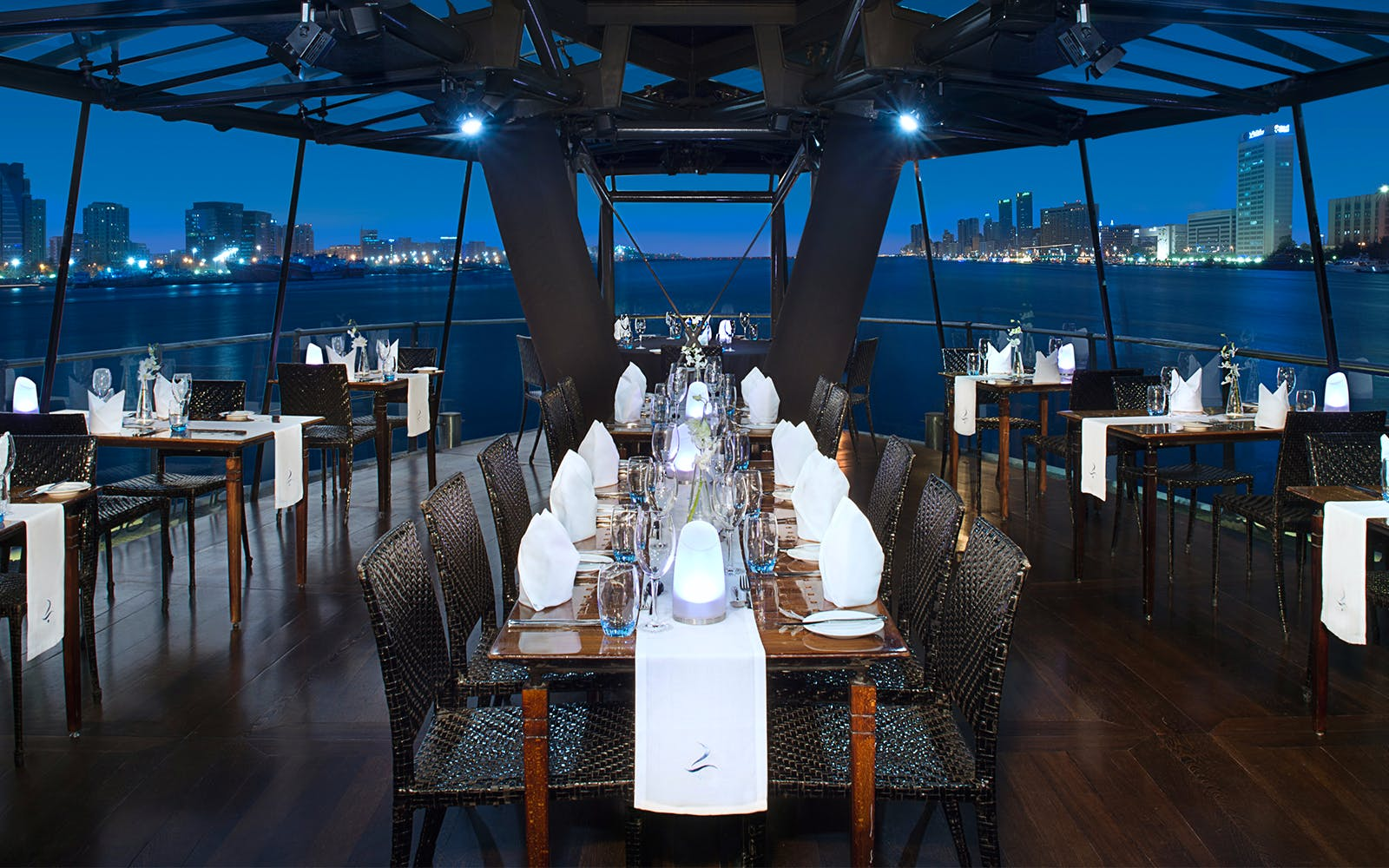 bateaux dinner cruise with complimentary drink-2
