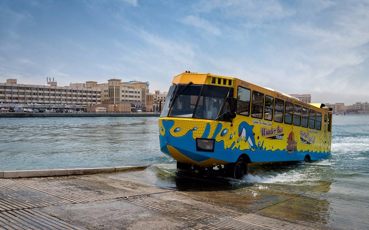 dubai wonder bus
