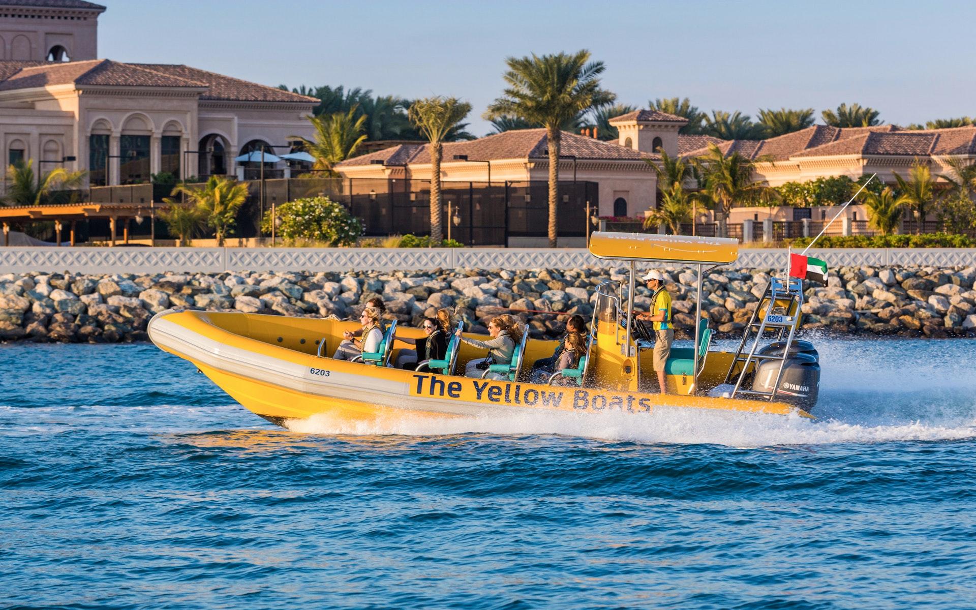 beaches-in-dubai-palm-jumeirah-burj-al-arab-marina-tour