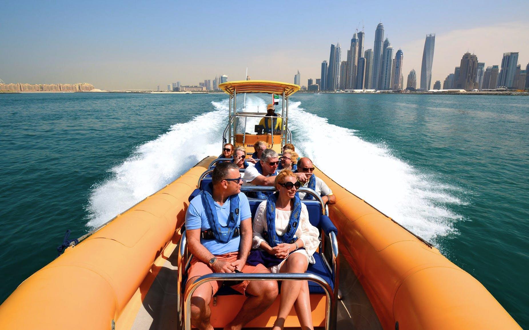 beaches-in-dubai-palm-jumeirah-burj-al-arab-boat-tour