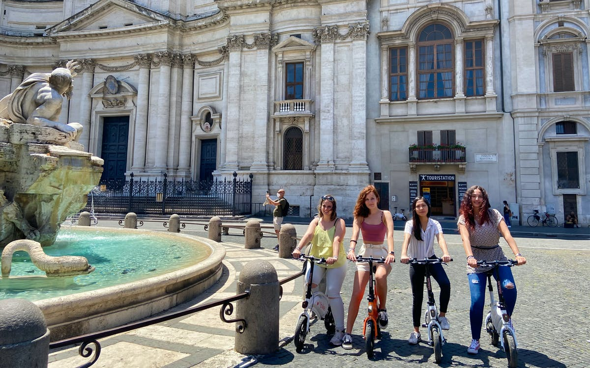 e-bike rental with trevi fountain underground guided tour-1