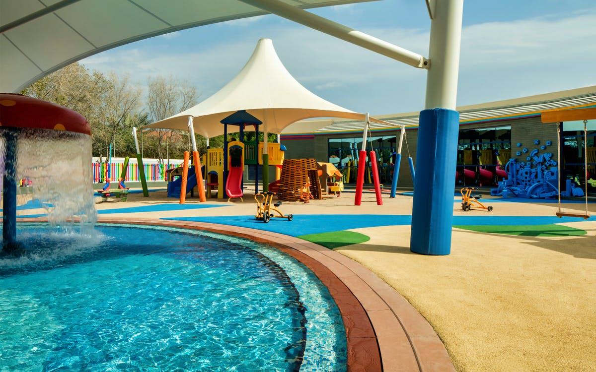 beach and pool day pass at le meridien al aqah-0