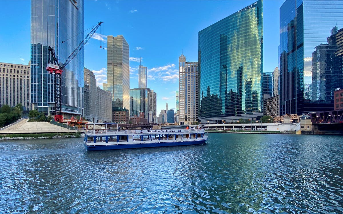 chicago river architecture cruise from michigan avenue-0