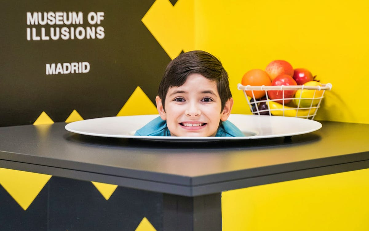 skip the line tickets to museum of ilusions-1