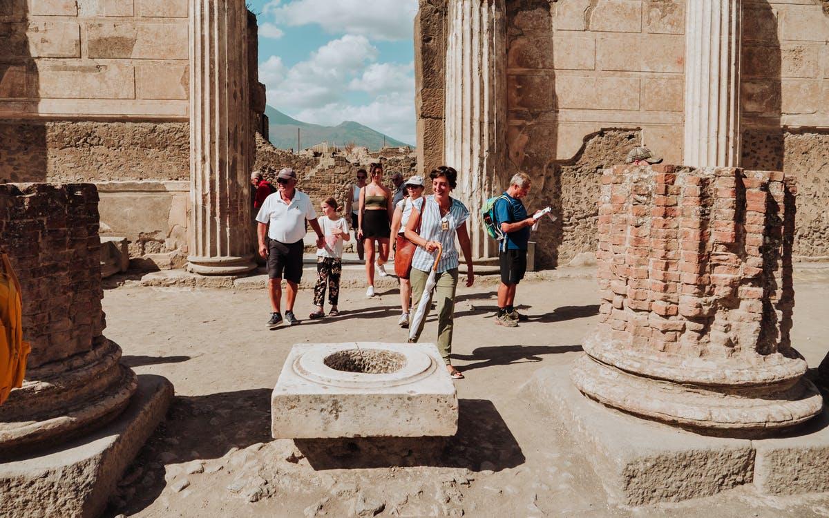 transfer from naples to sorrento with a pompeii tour-0
