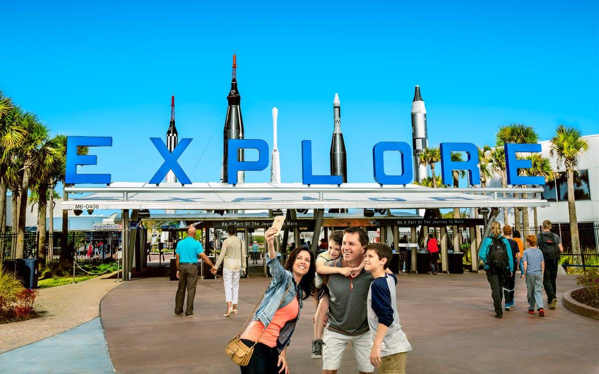 kennedy space center explore tour-0