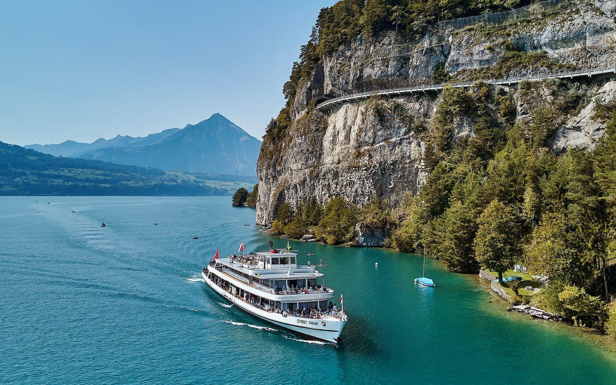 lake thun and lake brienz cruise day pass-0