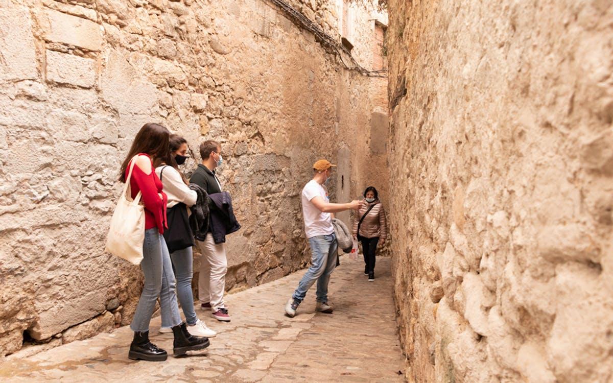 tour of jewish quarter and walls of girona-1