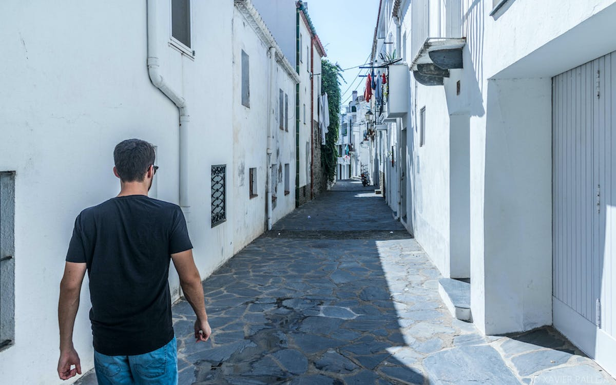 boat trip from roses to cadaqués with tour in cadaqués-1