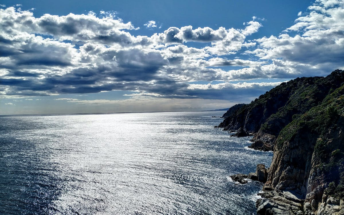 hiking trails and tossa de mar tour in costa brava-0