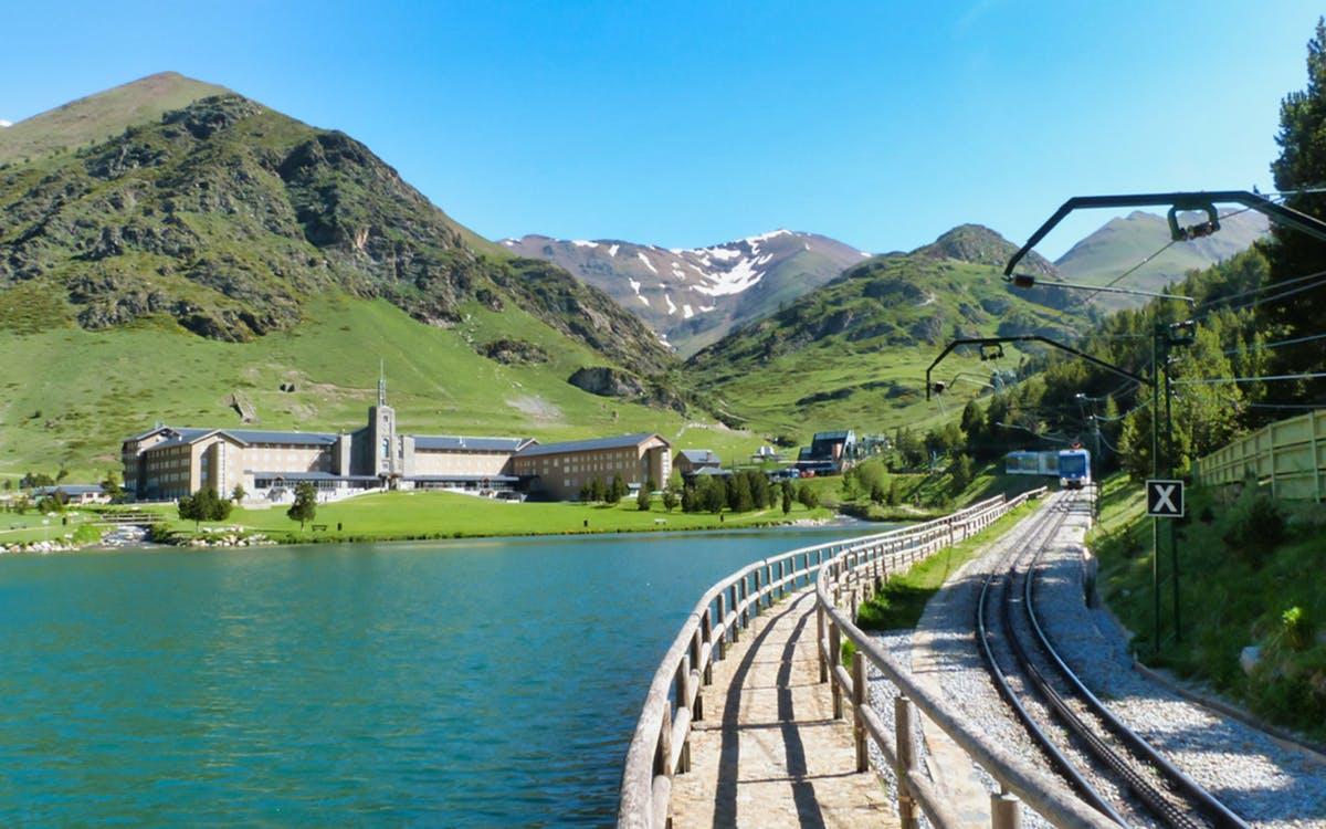 vall de núria pyrenees hiking experience tour-0