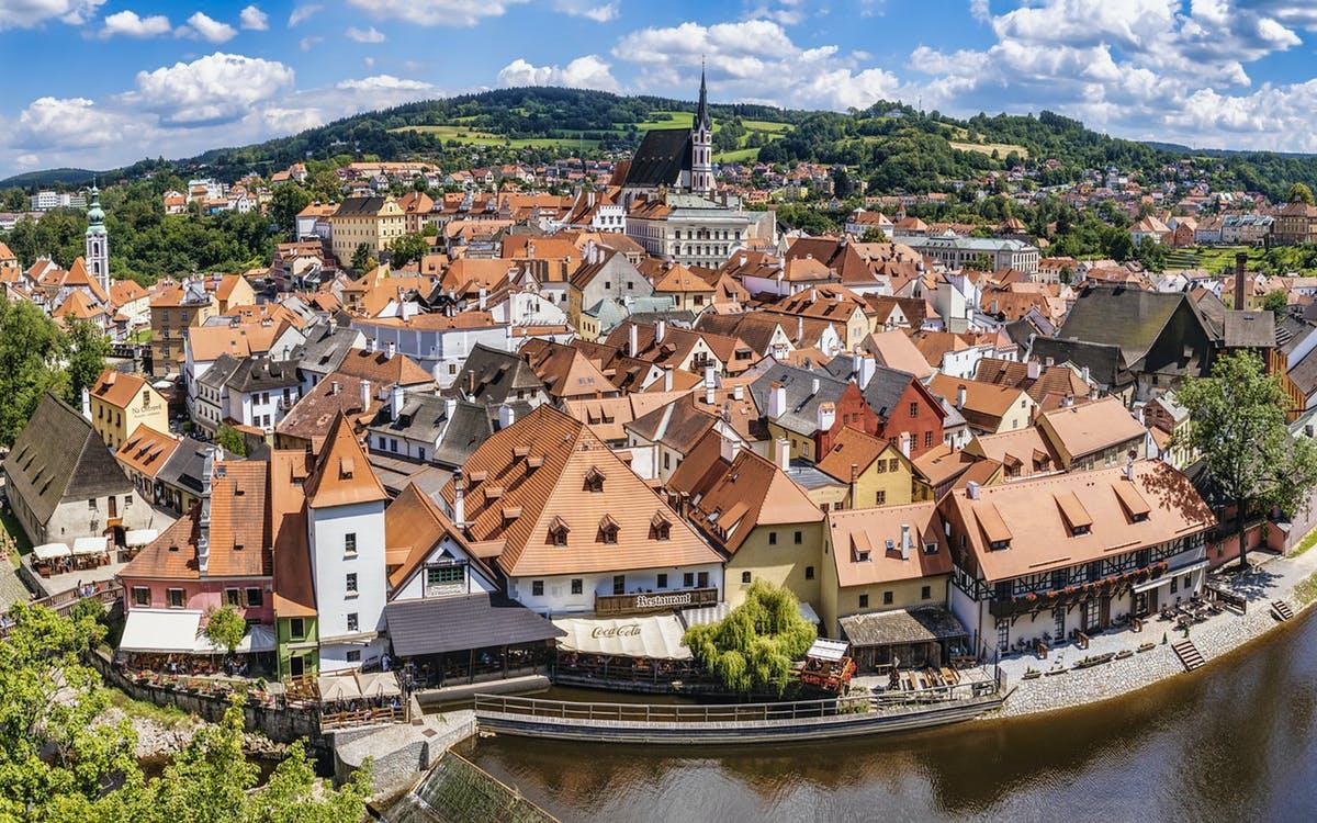 day trip to the fairytale town of český krumlov-0