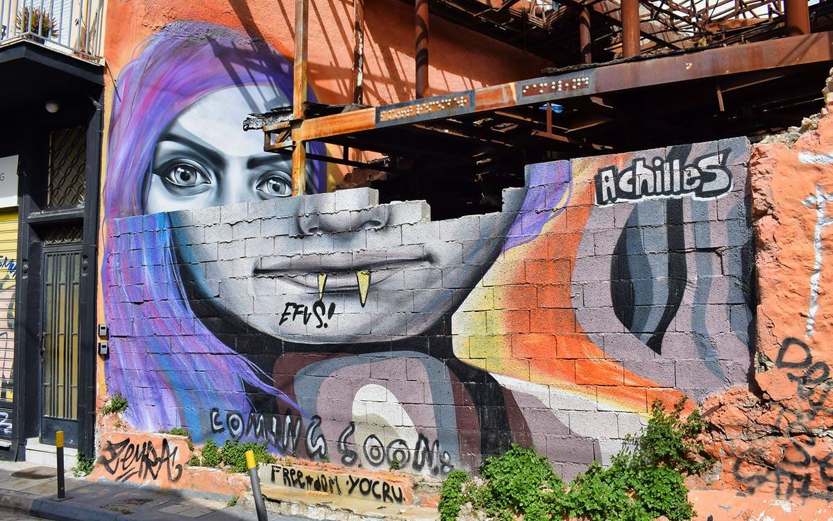 athens street art tour-0