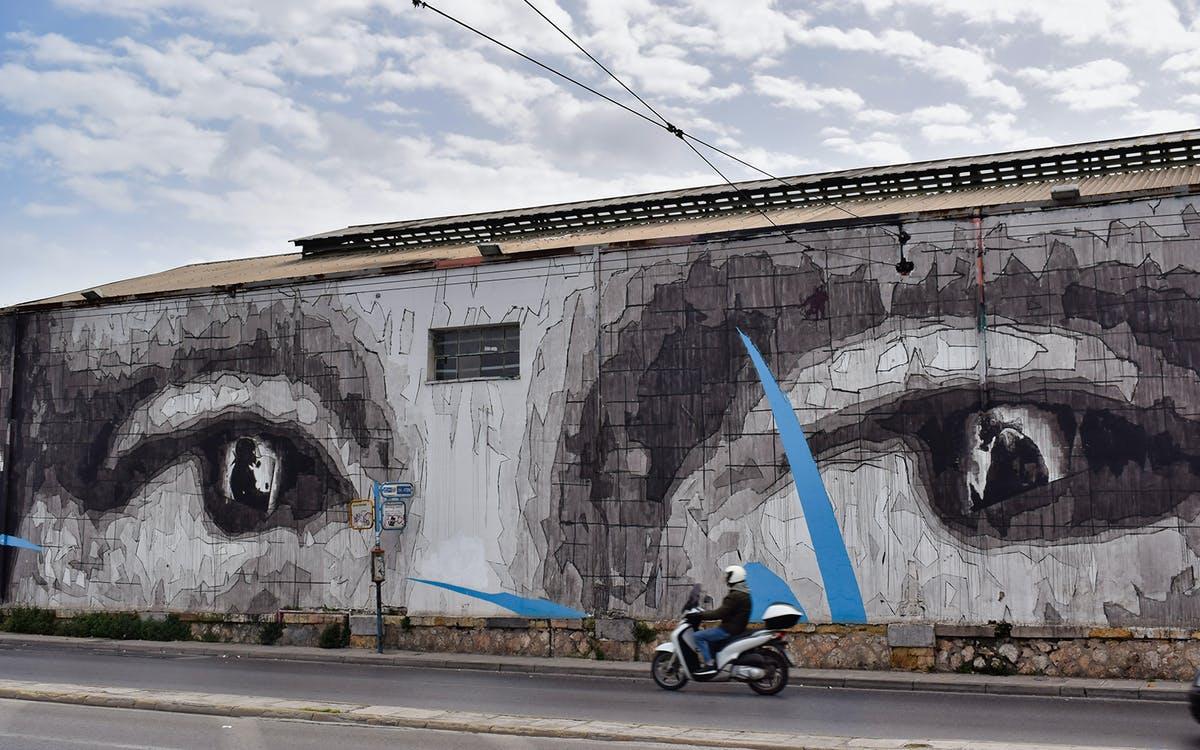 athens street art tour-1