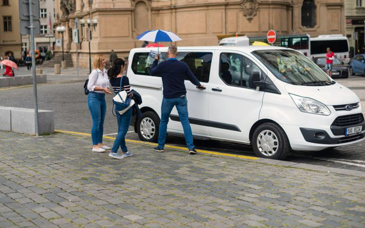 skip-the-line ticket to prague castle with transfers-0