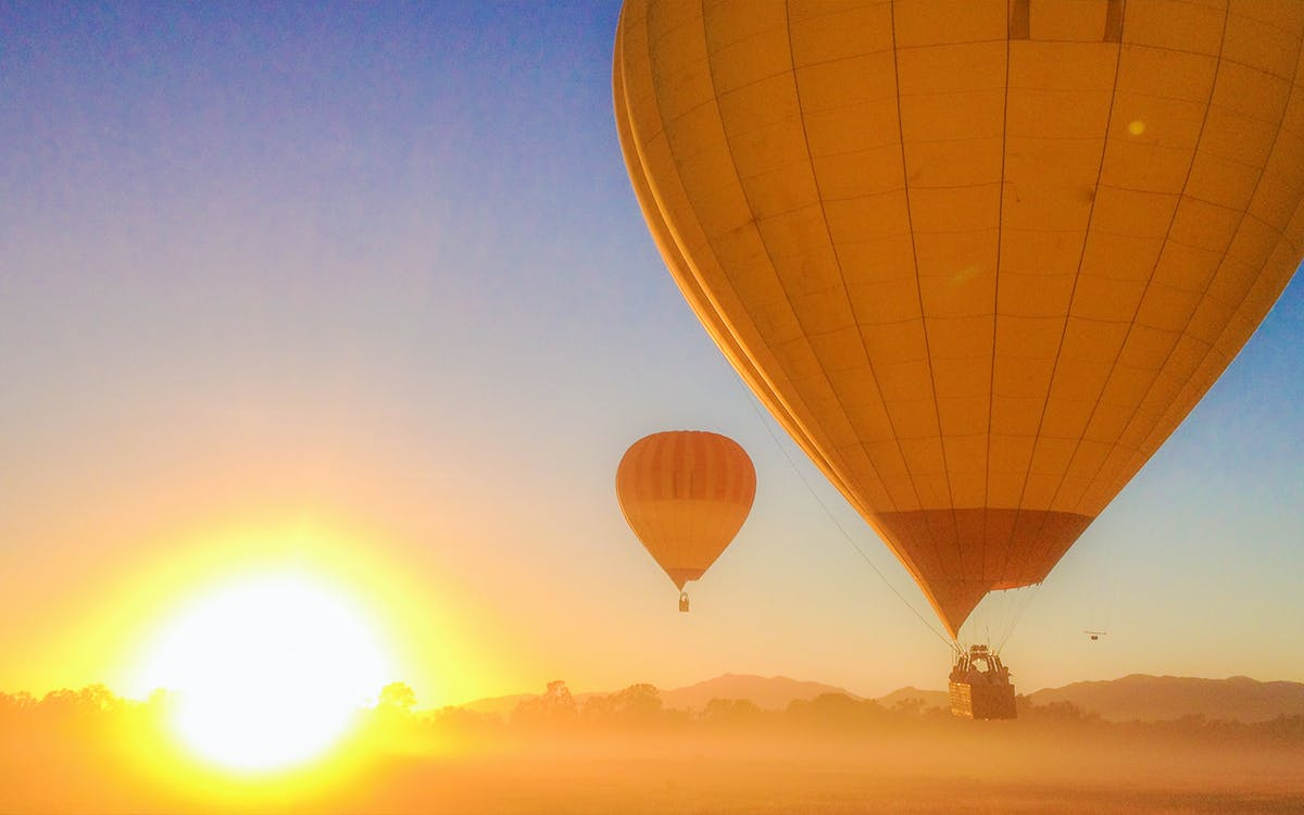 cairns classic hot air balloon ride with return transfers-0